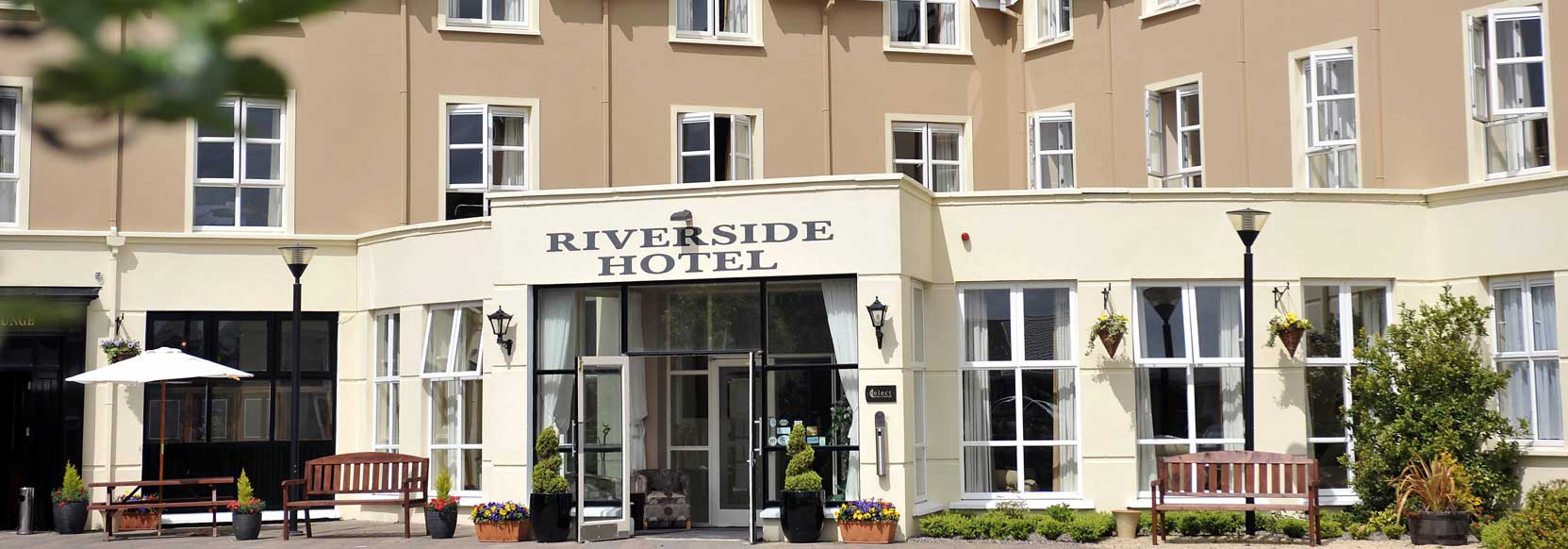Killarney Riverside Hotel Exterior Entrance